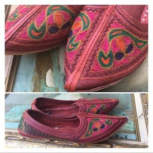Shoes - Embroidered Leather Indian Flats